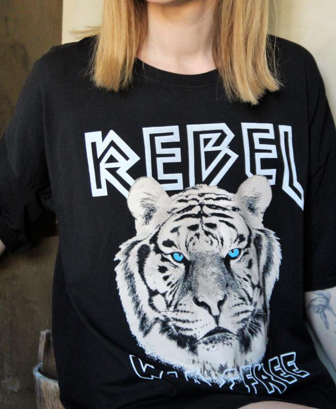 T-shirt Rebelle April Vintage